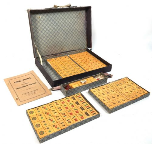 Antique Bakelite Mahjong Set In Case / Box / American Style Man Jong Game